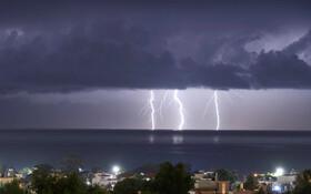 (تصاویر) رعدوبرق در سواحل یونان