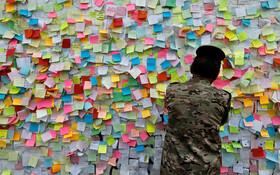 (تصاویر) دیوار آرزوهای مخالفان در بغداد عراق که مخالفان و تظاهرکنندگان ضد دولتی اخیر در این کشور برپا کرده اند