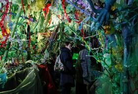 (تصاویر) اثری از یک هنرمند اوکراینی که از پلاستیک های بلااستفاده ساخته شده است