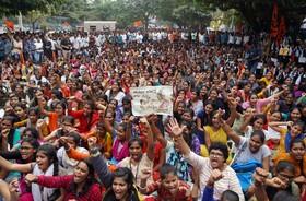 (تصاویر) تظاهرات علیه خشونت علیه زنان در حیدر آباد هند