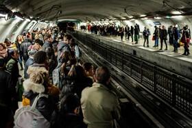 (تصاویر) اعتصاب مترو پاریس در فرانسه