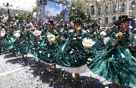 (تصاویر) جشن های سال نو ملادی و فرارسیدن زمستان در لاپاز بولیوی