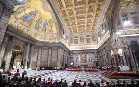 (تصاویر) پاپ فرانسیس در مراسمی در واتیکان در کلیسای سنت پل
