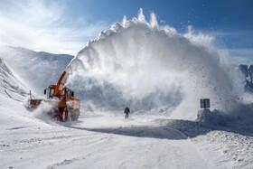 (تصاویر) پاکسازی جاده در وان ترکیه از برف
