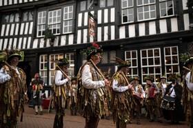 (تصاویر) مراسم سنتی یادبود جنگ سال 1644 میان اقوان انگلیسی