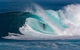(تصاویر) مسابقه موج سواری در هاوایی