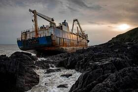 (تصاویر) بگل نشستن کشتی در ایرلند