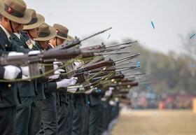 (تصاویر) تمرین نظامیان نپالی در کاتماندو برای مراسم روز ملی ارتش این کشور