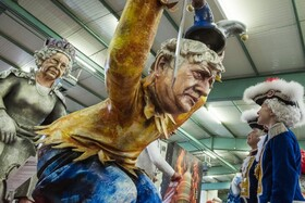 (تصاویر) عروسک بوریس جانسون نخست وزیر و ملکه انگلیس در جشنواره ای در ماینز آلمان