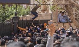 (تصاویر) متقاضیان سفر در قاهره در مقابل اداره بهداری مصر احتماع کرده اند برای گرفتن گواهی سلامت
