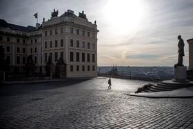 (تصاویر) خیابان های خلوت در جمهوری چک و نگرانی از کرونا