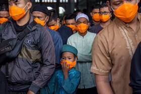 (تصاویر) مسلمانان شرکت کننده در نماز جمعه در اندونزی