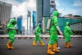 (تصاویر) ضد عفونی کردن شهر جاکارتا در اندونزی