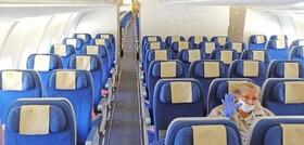(تصاویر) یک مسافر در هواپیمای سوئیسی در انتظار فرود در هاوانا در هواپیمایی با دوازده مسافر به دلیل نگرانی از شیوع کرونا سفرهای هوایی کاهش یافته است