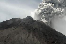 (تصاویر) فعال شدن آتش فشان مراپسی در اندونزی