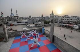 (تصاویر) آموزش کاراته در رفح در فلسطین با ماسک