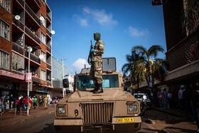 (تصاویر) گشت نظامیان هنگام قرنطینه در ژوهانسبورگ آفریقای جنوبی