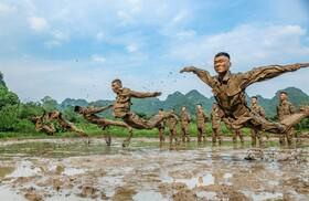 (تصاویر) آموزش نظامی در چین