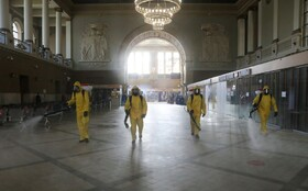 (تصاویر) ضدعفونی کردن ایستگاه مترو در مسکو روسیه