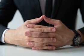 شخصیت شناسی افراد بر اساس نحوه قفل شدن انگشتان دست!