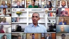 (تصاویر) سخنرانی مجازی نخستین رئیس جمهوری سیاهپوست آمریکا باراک اوباما در پی کشته شدن یک سیاهپوست دیگر توسط پلیس این کشور