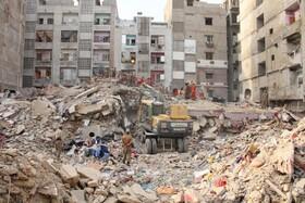 (تصاویر) ریزش ساختمانی پنج طبقه در کراچی پاکستان به دو کشته