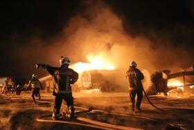 (تصاویر) آتش سوزی ناشی از انفجار تانکر سوخت در سوریه