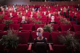 (تصاویر) بازگشایی محل های نمایش سینما و تئاتر در مادرید اسپانیا با موانعی برای رعایت فاصله فیزیکی