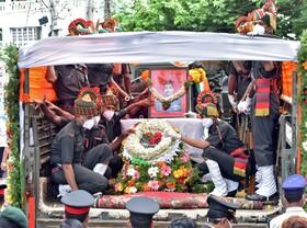 (تصاویر) تشییع جنازه نظامی هندی که در درگیری مرزی با چین کشته شد