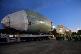 (تصاویر) قطعات هواپیمای ایرباس آ سیصد و هشتاد در تولوز فرانسه به محل اصلی این کارخانه وارد می شود