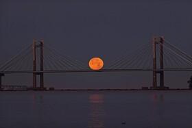 (تصاویر) عکسی از ماه کامل در اسپانیا