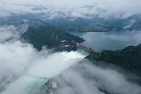 (تصاویر)نمایی از فرهاسازی آب از سد خینان در جیاند در شرق چین