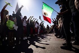 (تصاویر) اعتراض سیاه پوستان و لاتین ها در لوس آنجلس علیه خشونت پلیس در آمریکا