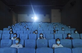 (تصاویر) نمایش فیلم در هنگزو در چین پس از بازگشایی سینماها
