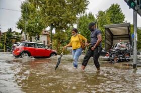 (تصاویر) باران سیل آسا در میلان ایتالیا