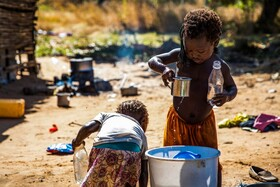 (تصاویر) کوکان پناهنده در موزامبیک در حال بازی
