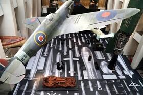 موزه سلطنتی جنگ در لندن و هواپیمای اسپیت فایر که در جنگ جهانی دوم رواج داشت