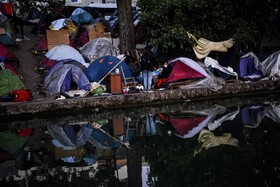 یک اردوگاه پناهندگان در پاریس