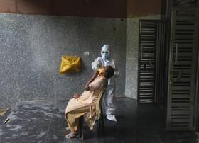 آزمایش کرونا در دهلی هند