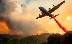 تلاش برای خاموش کردن آتش سوزی های جنگلی در کالیفرنیای آمریکا